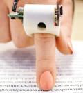 手指閱讀器 助盲人「看」書
