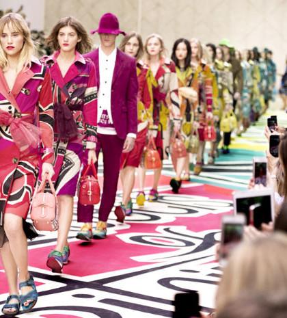 倫敦時裝週。BURBERRY模特兒走秀。p1022-a1-02