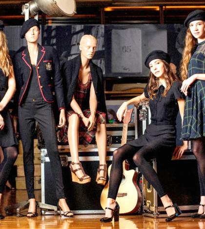 美國2014年秋冬時尚,以Polo Ralph Lauren為代表,永不過時的學院風款式如燈芯絨西裝、千鳥格和人字絨休閑西裝單褸展現全新面貌,線條修長,袖夾位較高,胸前剪裁更貼身。p1023-a2-01