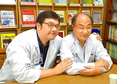 楊三醫師父子行醫  不放棄每個生命p1024-a6-02