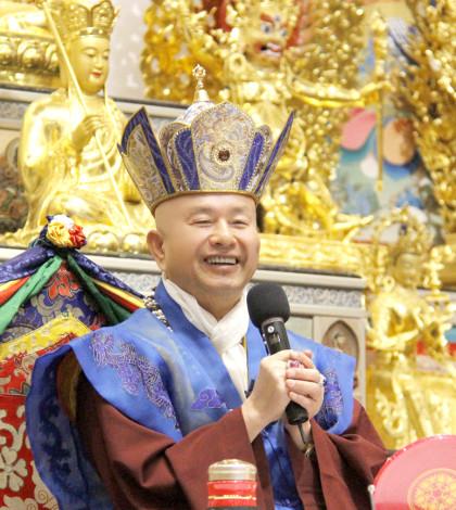 圖為蓮生法王盧勝彥p1044-02-01