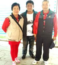 圖中為廖國沅師兄與父母合影p1045-14-03