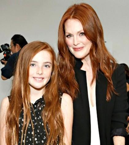 茱莉安摩爾與女兒Liv Freundlichp1066-a3-02