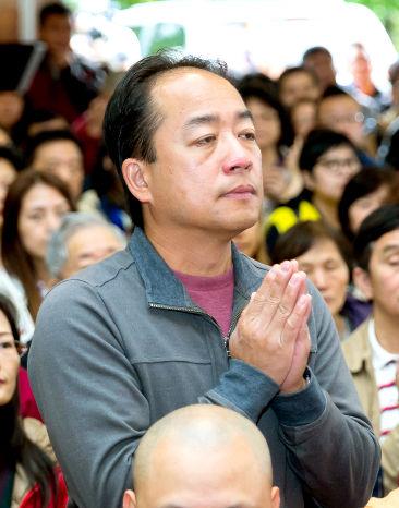 圖為貴賓莊駿耀醫師p1073-08-02C