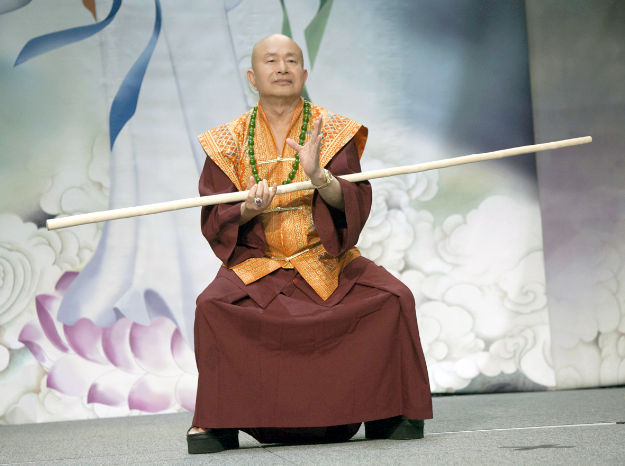 圖為師尊舞棍虎虎生風p1074-09-02B