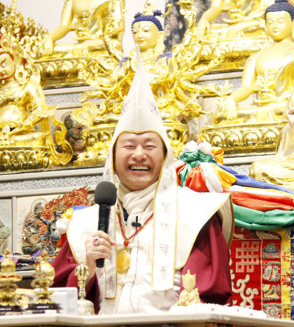 圖為蓮生法王盧勝彥p1092-02-01