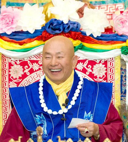 圖為當代法王作家蓮生活佛盧勝彥p1131-01-01