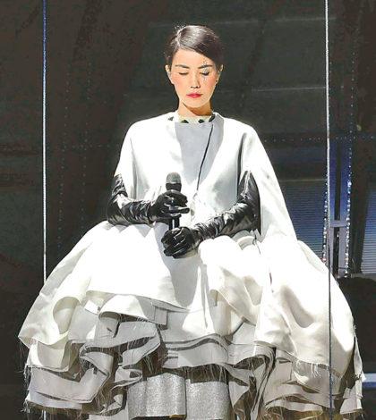 王菲演唱會開場服飾p1142-a8-11