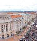 示威群眾聚集華府白宮外頭p1146-a1-11