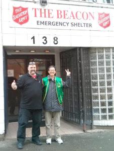 圖為華光義工與Crosswalk遊民庇護所工作人員合影p1147-a1-06A