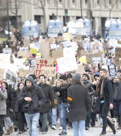 川普的移民禁令,大批民眾聚集巴黎街頭抗議p1147-a1-14