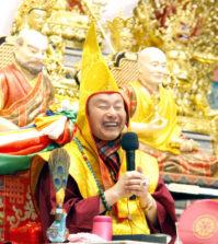 圖為法王蓮生活佛盧勝彥p1149-04-01