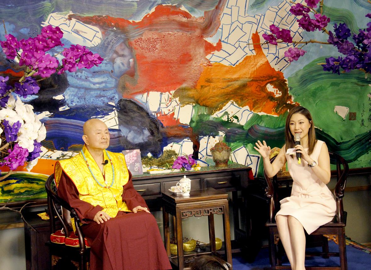 圖為蓮生法王接受名主持人周明璟小姐專訪p1151-a1-06