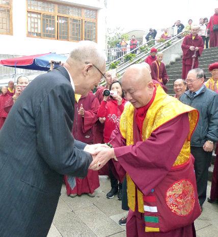 圖為師尊歡迎吳前副總統p1152-01-04