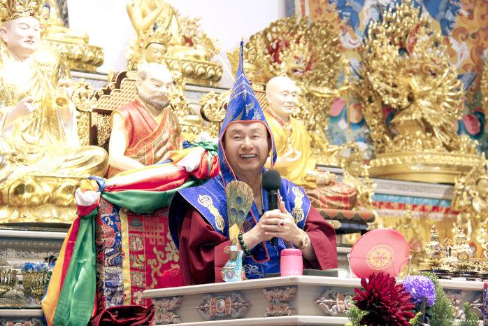 圖為蓮生法王盧勝彥p1153-11-01