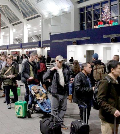 美宣布中東八個穆斯林國家九航空公司,禁止攜帶「比手機大」的電子產品登機。為防範恐攻,美國將禁止部分飛美航班的旅客攜帶大型電子裝置登機。p1153-a1-03aWeb only