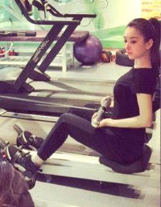 方媛以健身照片來回應懷孕傳言p1154-a8-09