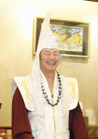 圖為無上法王蓮生活佛盧勝彥p1156-05-01