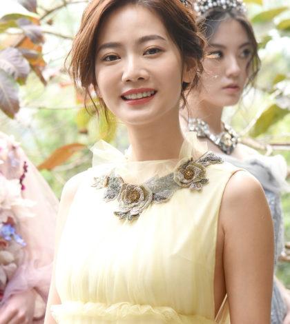 藝人曾之喬日前以迪士尼公主形象大使,穿上美女與野獸公主貝兒的訂製服,出席溫慶珠2017 SS Disney Princess Collection公主時裝秀。p1156-a5-03