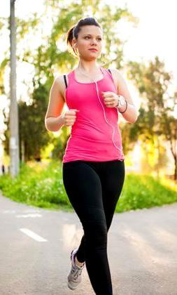 適量運動有助活化氣血循環、增強水分代謝。p1156-a5-04Web Only