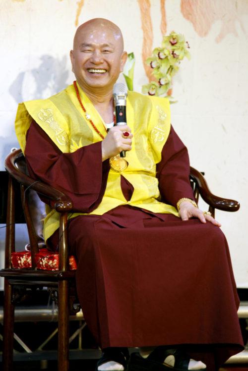 圖為無上法王蓮生活佛盧勝彥 p1161-12-01