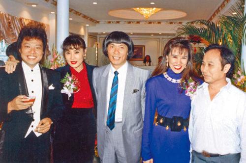 圖右起楊登魁、羅霈穎、豬哥亮、于楓及張菲曾攜手創造輝煌的秀場時代,照片中5人已有3位辭世,令人唏噓 p1161-a8-05