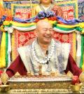 2017年6月24日晚間,美國西雅圖雷藏寺恭請當代法王根本上師蓮生活佛盧勝彥主持週六「藥師佛」同修會,當日參加護持的善信佛子踴躍。圖為蓮生法王盧勝彥。