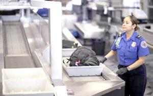 美國運輸安全局官員在拉斯維加斯麥卡倫國際機場