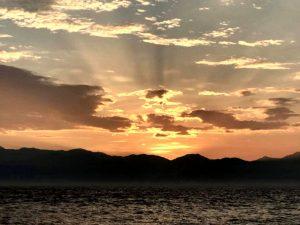作者舞自在小琉球看日出前的凌晨天空一景