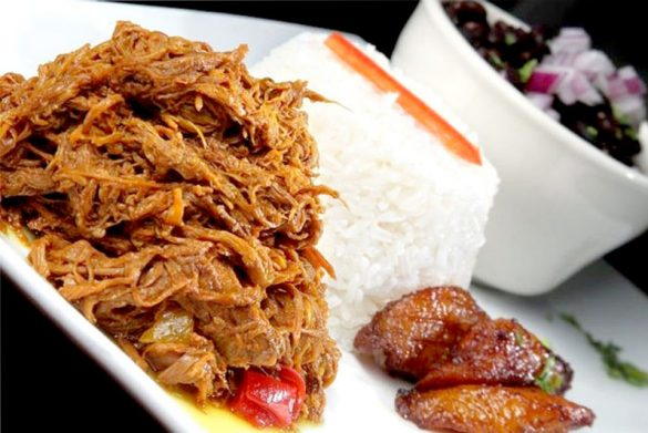 巴拿馬傳統牛肉絲飯