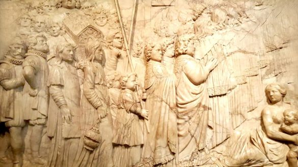 科隆大教堂牆壁上富麗的雕刻